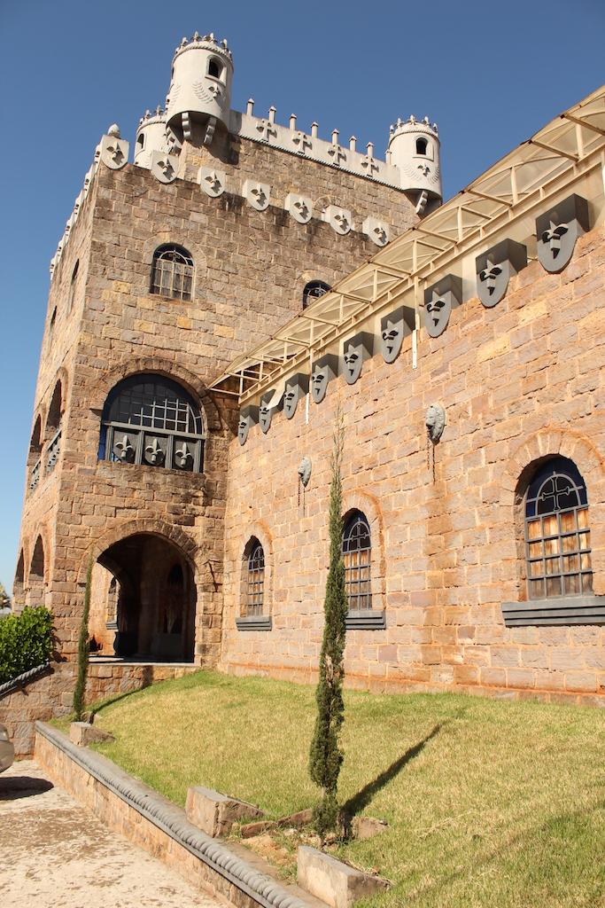 Pedacinho da Itália em Bandeirantes: o Castelo La Dorni.