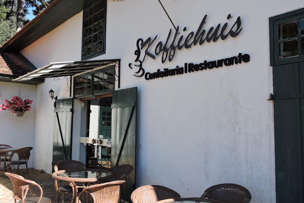 Onde Comer em Carambeí: Koffiehuis Confeitaria e Restaurante