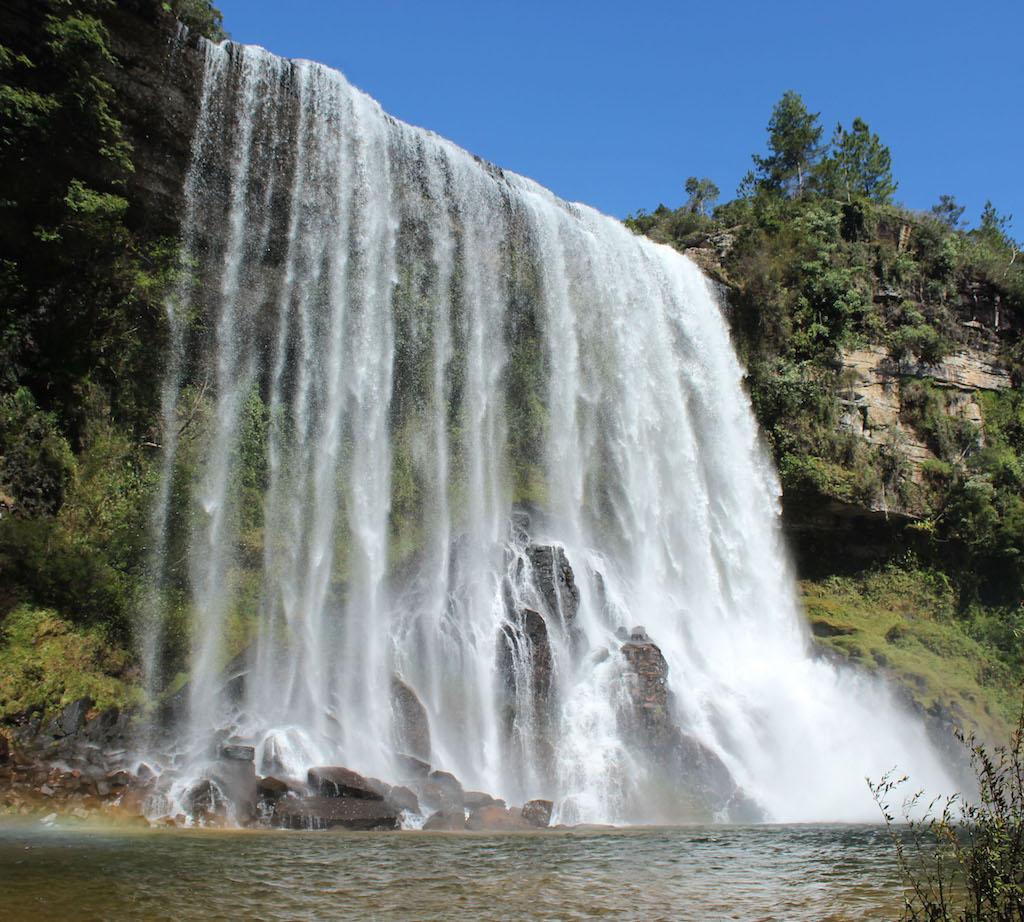 Conheça o Vale do Jaguaricatú: cachoeiras e um cânion de tirar o fôlego.