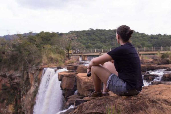 Uma cachoeira gigante bem pertinho de Londrina: Salto do Apucaraninha.